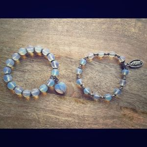Set of 2 opalite and silver color bracelets